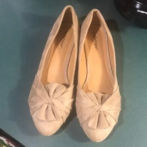 Suede cloth beige flats (Almost New)